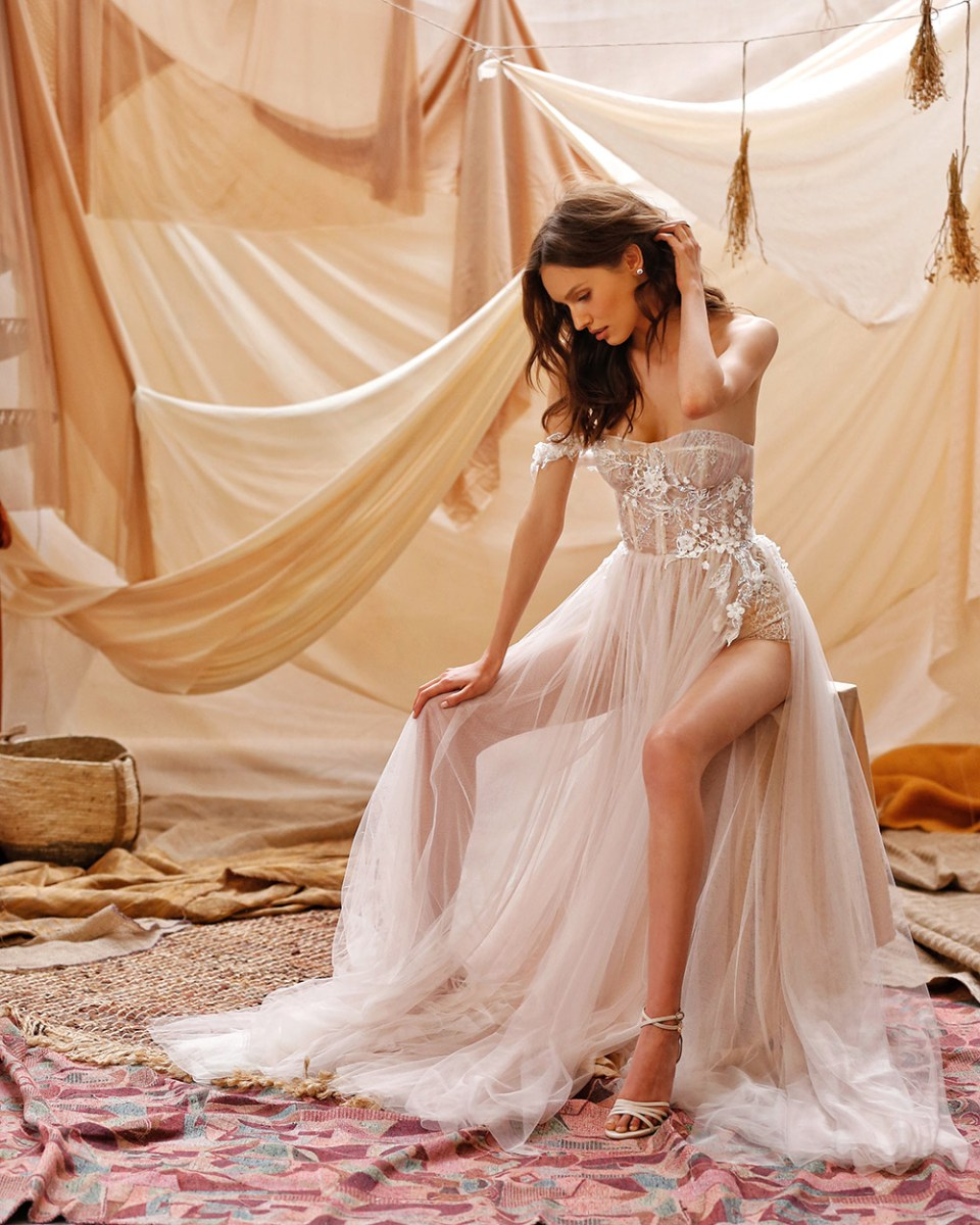 MUSE by Berta Spring 2021 Collection. www.theweddingnotebook.com