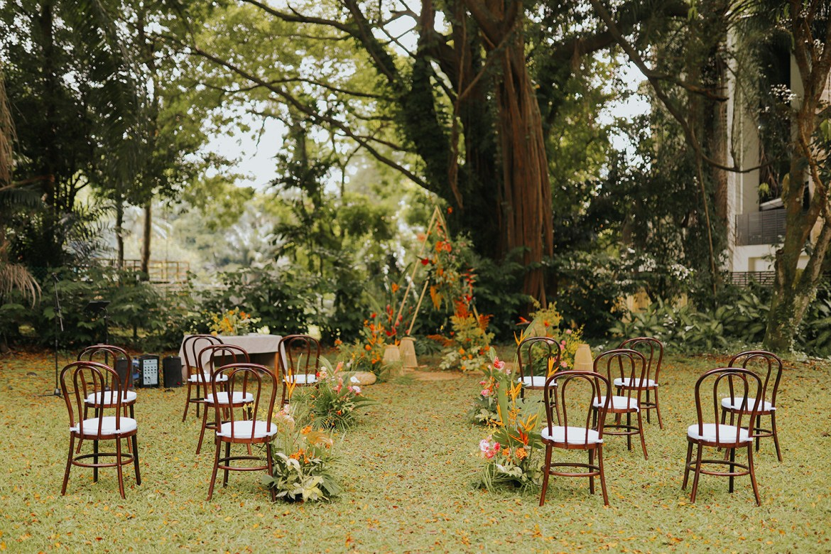 Photo by Present on Pixels. www.theweddingnotebook.com