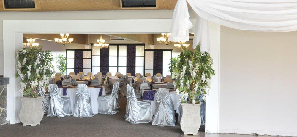 Dundee Country Club Wedding | Photo: Decorating Dreams