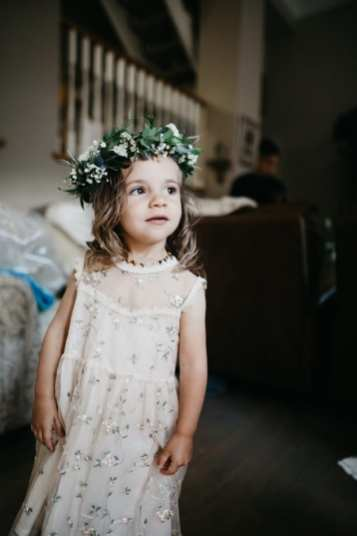 fresh look design flower crown on flowergirl