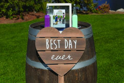 Venue: Hernder Estates Winery | Photo: Haskell Photography