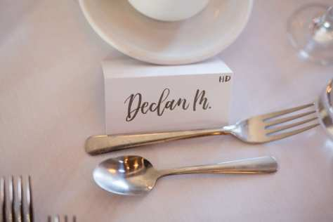 Decor: Servers with a smile | Photo: Stephanie Canada Photography