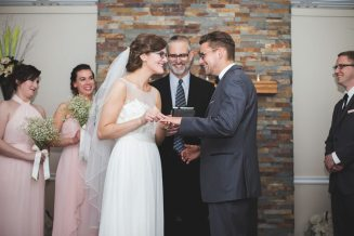 Ashley & Mark's Beaverdale Golf Club Wedding | Photo: Katelyn Debus Photography