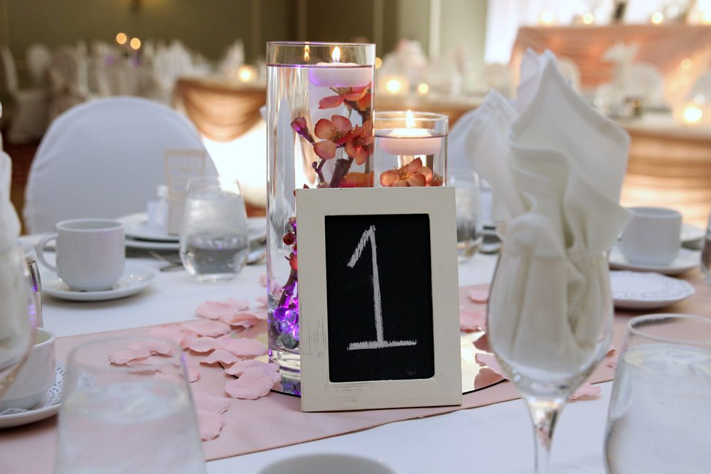 Venue: Best Western Plus Stoneridge Inn | Photo: Photography by Daisy