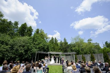 Venue: Bingemans | Photo: Spirits Intrigued Photography