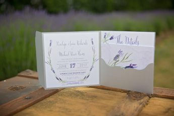 Photo: Anne Edgar Photography | Stationery: Little Details Creative Co
