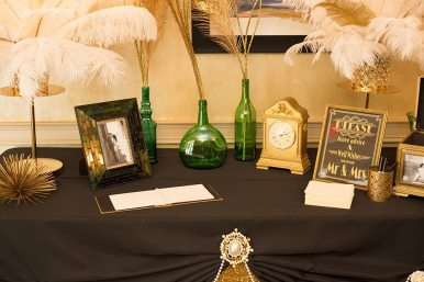 Decor: Devine Wedding Design | Photo: Latte Productions Wedding Photography