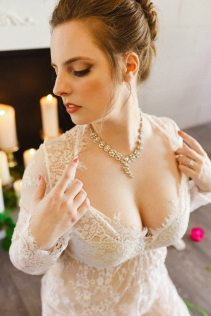 Julie Nicole Photography | Lush and Lace