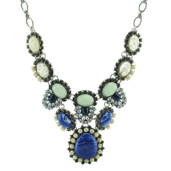 Make a Statement, Ku'r Salon & Spa | Photo: My Necklace Canada