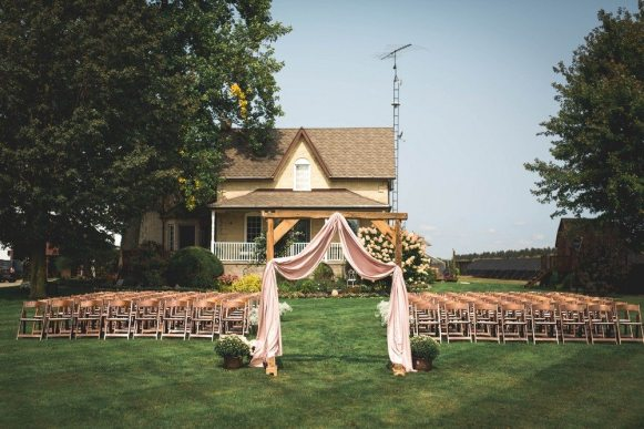 Décor: Now & Always | Photo: Ashley Schultz Photography