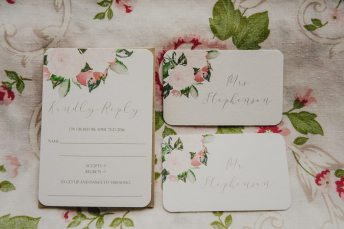 PHOTO: Julie Nicole Photography | STATIONERY: Uptown Designs