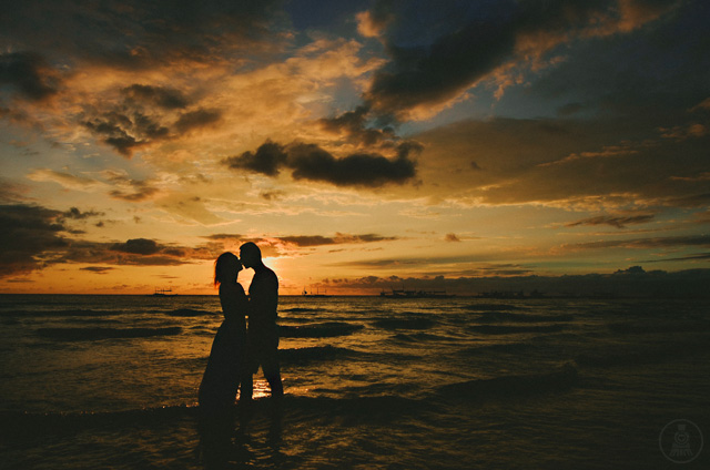 beach-prenup-engagement-tip-1e