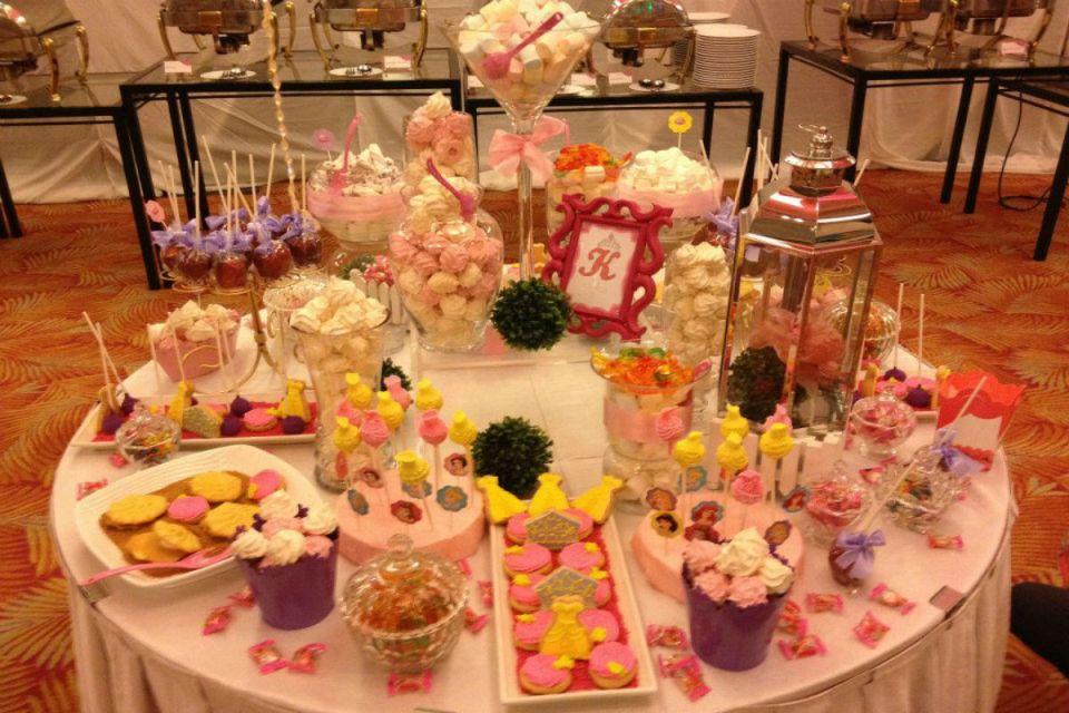 wedding dessert tables - Sugarbox