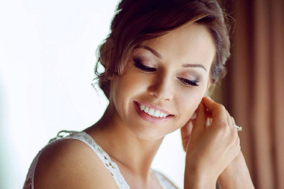 Wedding Makeup and Hairdressing - Yenny Gunawan