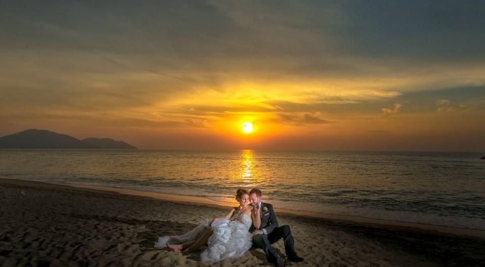 beach wedding venues malaysia - Lone Pine Hotel - Alex Tan Artworks