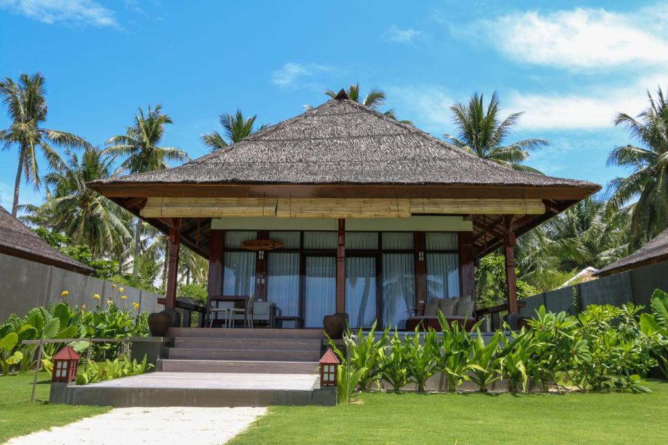 philippine honeymoon Isla Cabana Resort