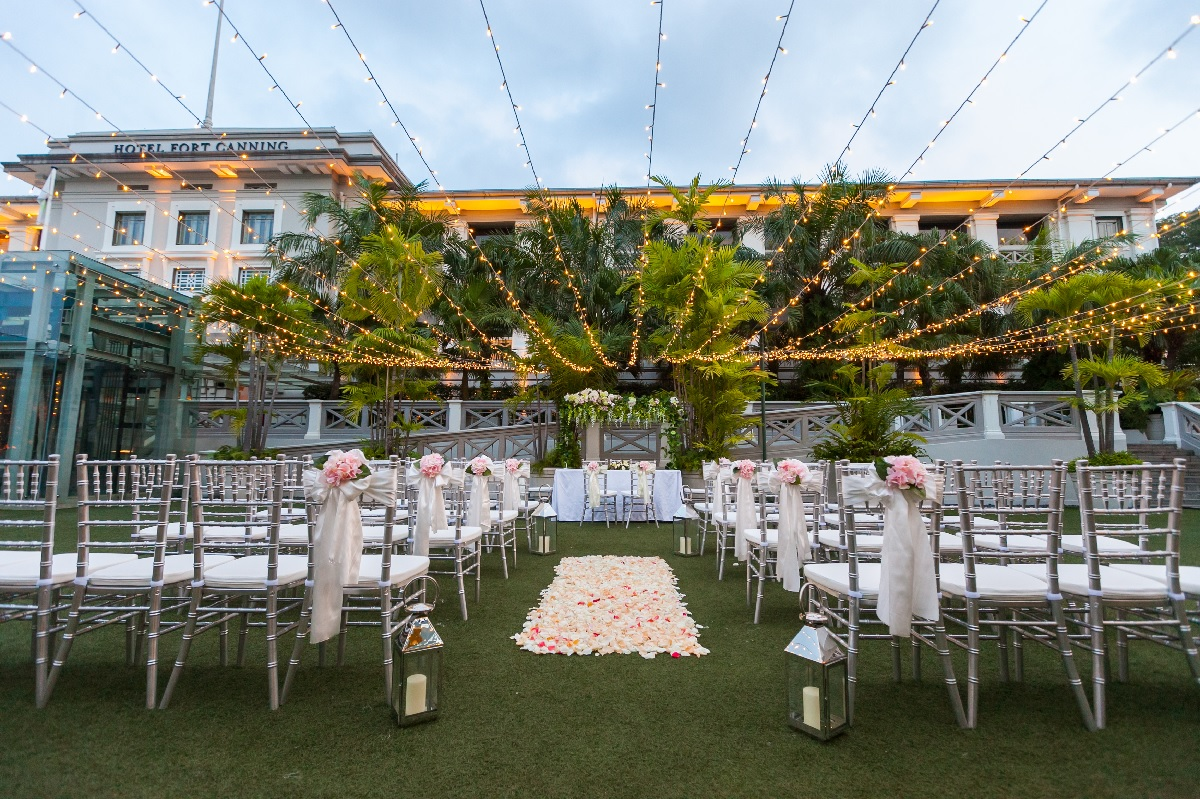 Hotel Fort Canning - Mesmerizing Garden Weddings in an Urban Oasis