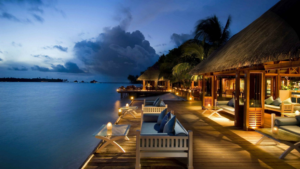 Top Beach Honeymoon Destinations You Must Visit The Wedding Vow - Top 10 tropical islands you have to visit