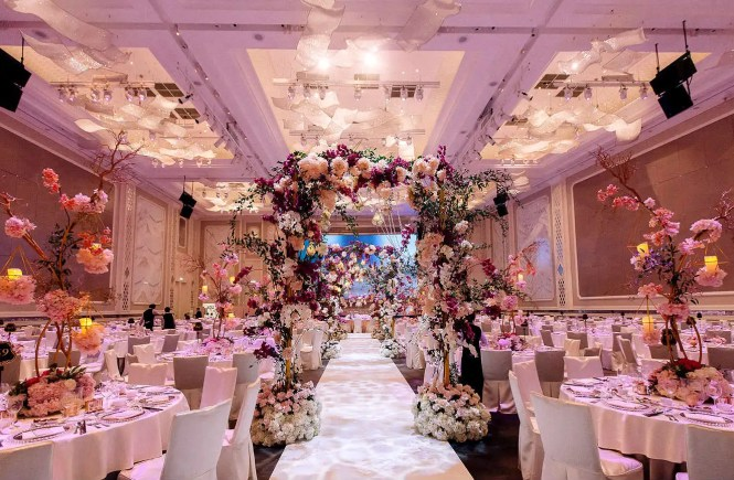 Weddings at the st regis kuala lumpur where modern day luxury the st regis kuala lumpur has been a highly anticipated 5 star wedding and honeymoon venue even before its opening in may 2016 located in the prestigious junglespirit Choice Image