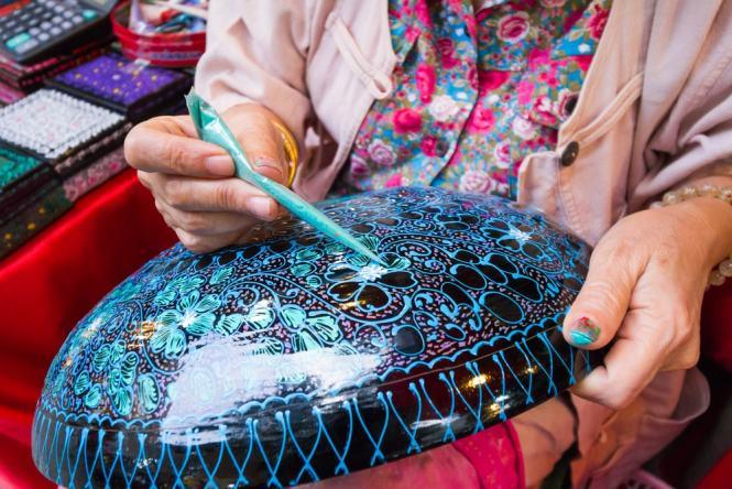 Palace Gate Hotel 11 - Lacquerware - Culture Trip