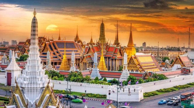 Thailand Honeymoon Destinations - Bangkok Grand Palace - Photo via Asia Web Direct