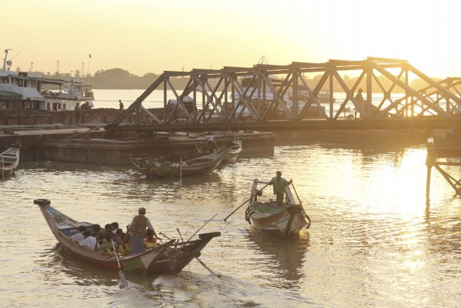 Myanmar Honeymoon - Botahtaung Harbour - Lionslayer