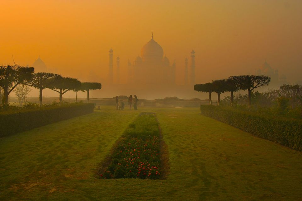 agra honeymoon taj mahal viewpoint