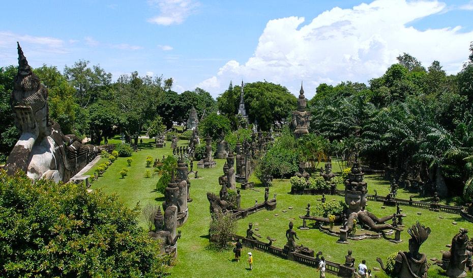 laos honeymoon Buddha Park