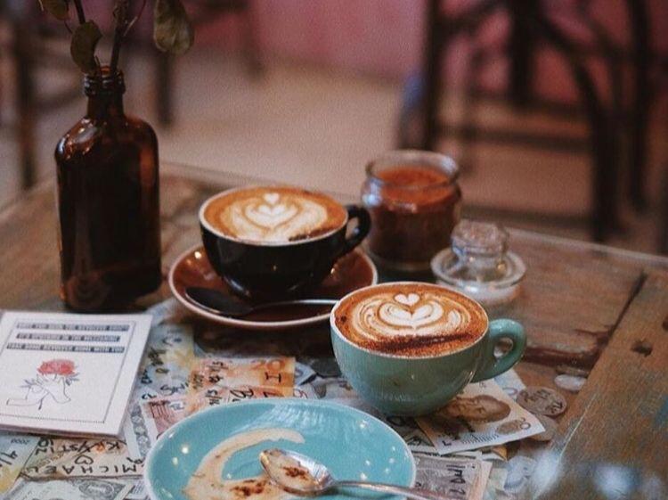 seminyak bali cafe