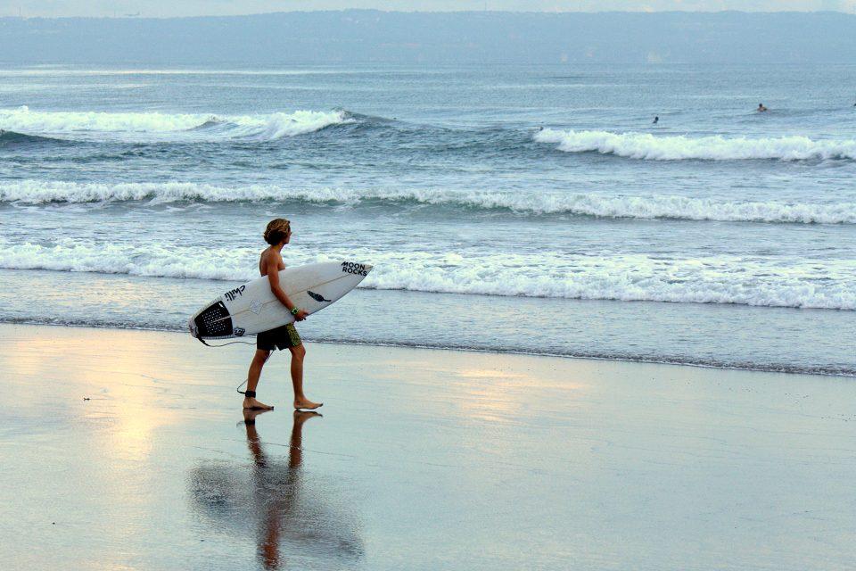 canggu beach surf