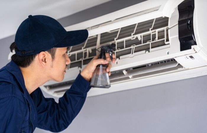 aircon servicing singapore spray