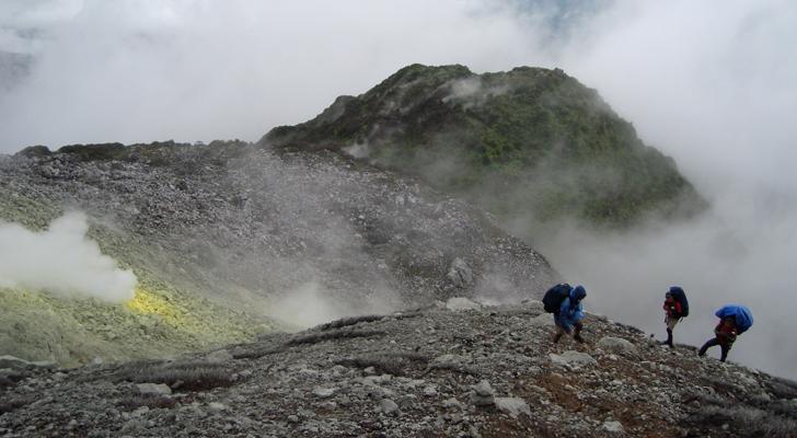 Mt Apo Trek - sulfuric vents