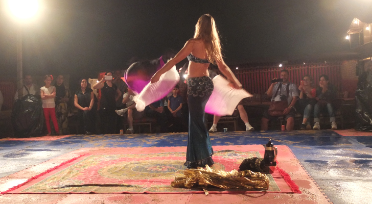 Dubai desert safari - belly dancer