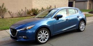 The 2017 Mazda3 has sporty exterior design.