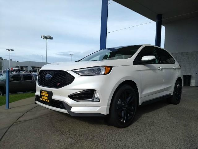 The 2019 Ford Edge ST is the manufacturer's new performance SUV.