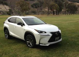 The new 2015 Lexus 200t F Sport. Images © James Raia/2015