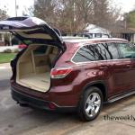 The 2015 Toyota Highlander has an automatic lift tailgate.
