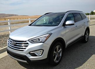 The newle designed 2013 Hyundai Santa Fe