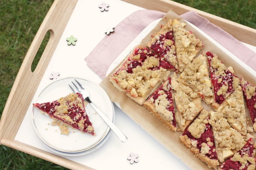 Ein Apfel-Himbeer-Streuselkuchen für die, die einfach alles wollen!