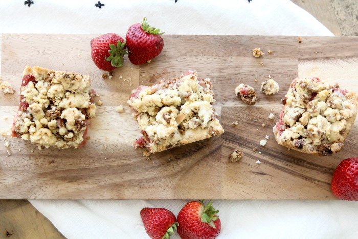 Gluten-Free Strawberry Crumble Bars from The Whole Smiths. Easy to make, simple ingredients and delicious!