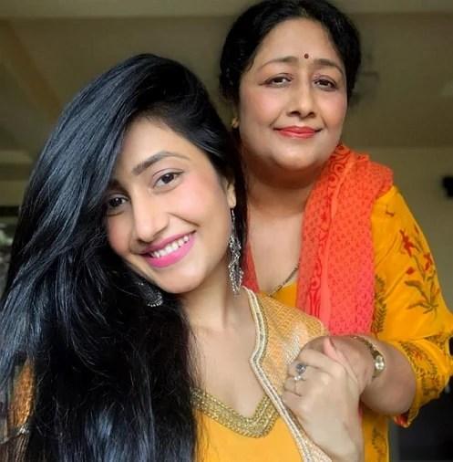 dhanashree verma mother