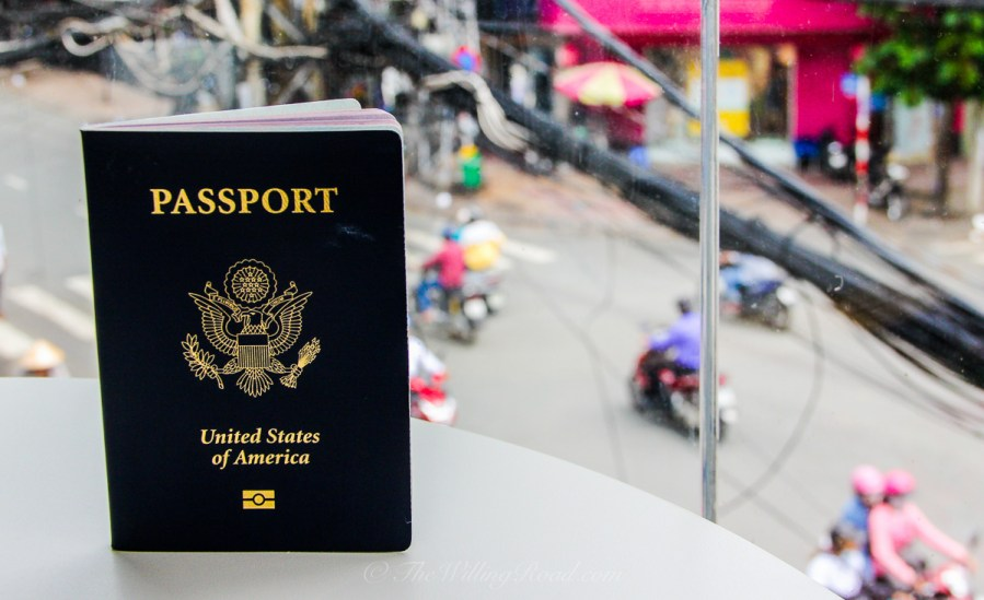 All US citizens only have the option to pay $135 for a one year multiple entry visa if they want to visit Vietnam.