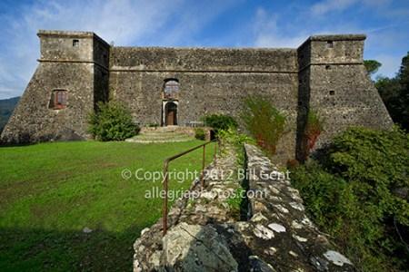 Facade, Brunella Fortress, Aulla