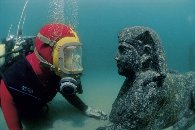 Discovering a sphinx on the floor of the Mediterranean Sea; Courtesy of St Louis Museum of Art; Photo: Christoph Gerigk©FranckGoddio/Hilti Foundation