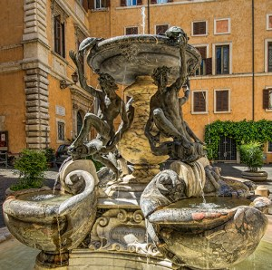 Piazza Mattei, Fountain of the Turtles