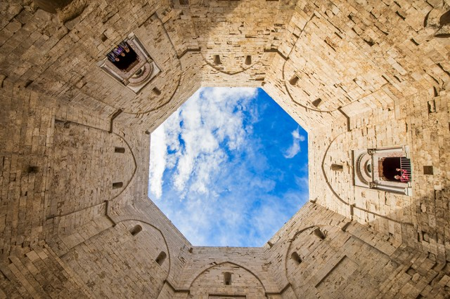 The octagonal courtyard at the Castel del Monte, Puglia