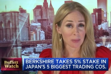 Berkshire Hathaway takes stake in Japan's five biggest trading companies