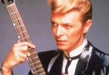 David Bowie in una fotografia del 1980, foto: Fotos International/Getty