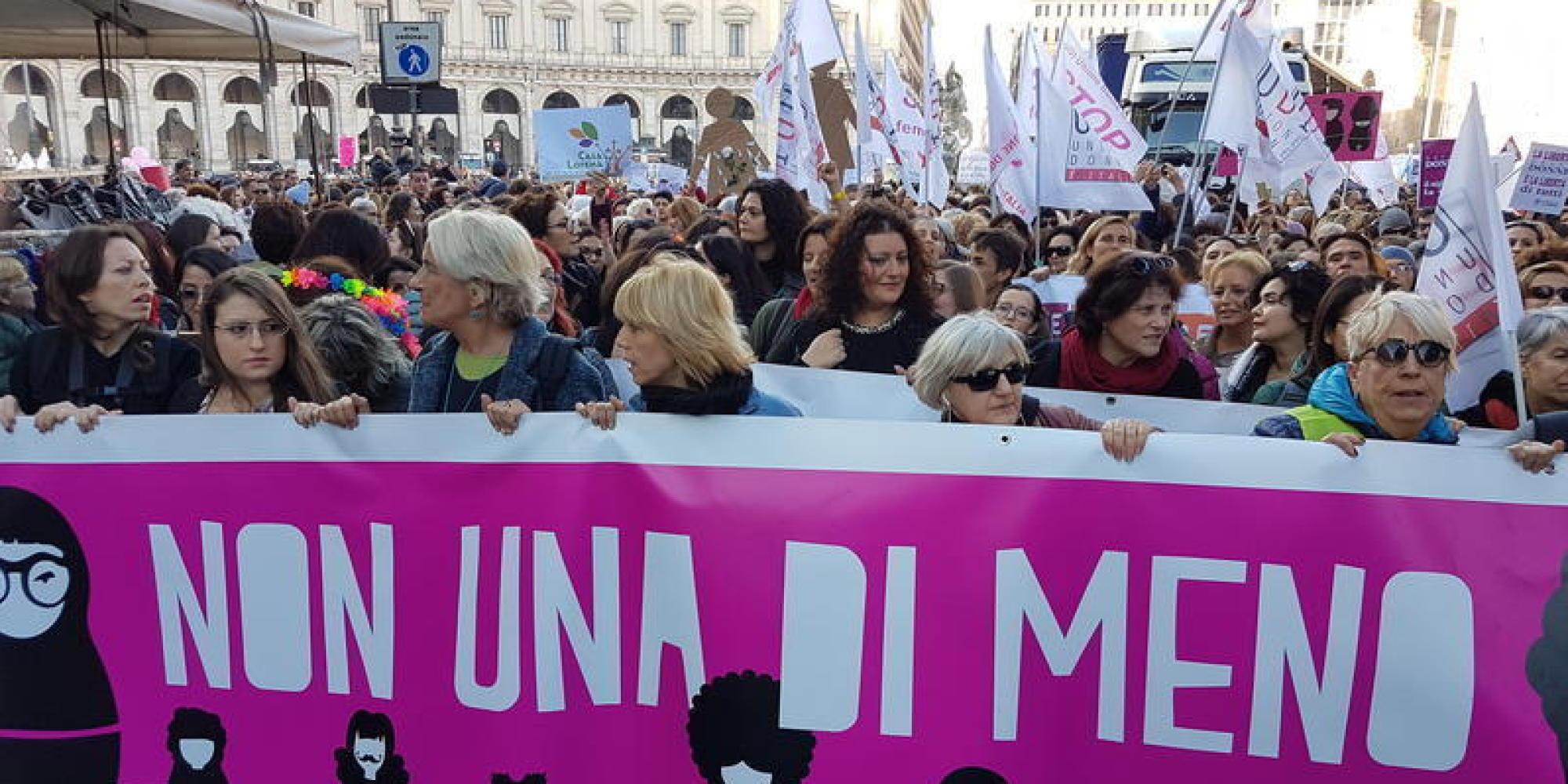 Essere donna l'8 marzo: perché lo sciopero è un passo indietro