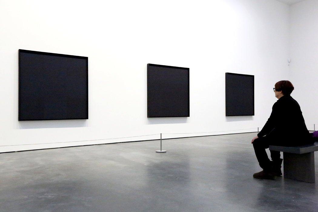 Il filo di Ad Reinhardt nel labirinto dell'arte contemporanea